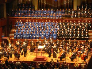 "A photo of the choir, orchestra, and Maestro Scribner at Brahms ""Ein Deutches Requiem."""